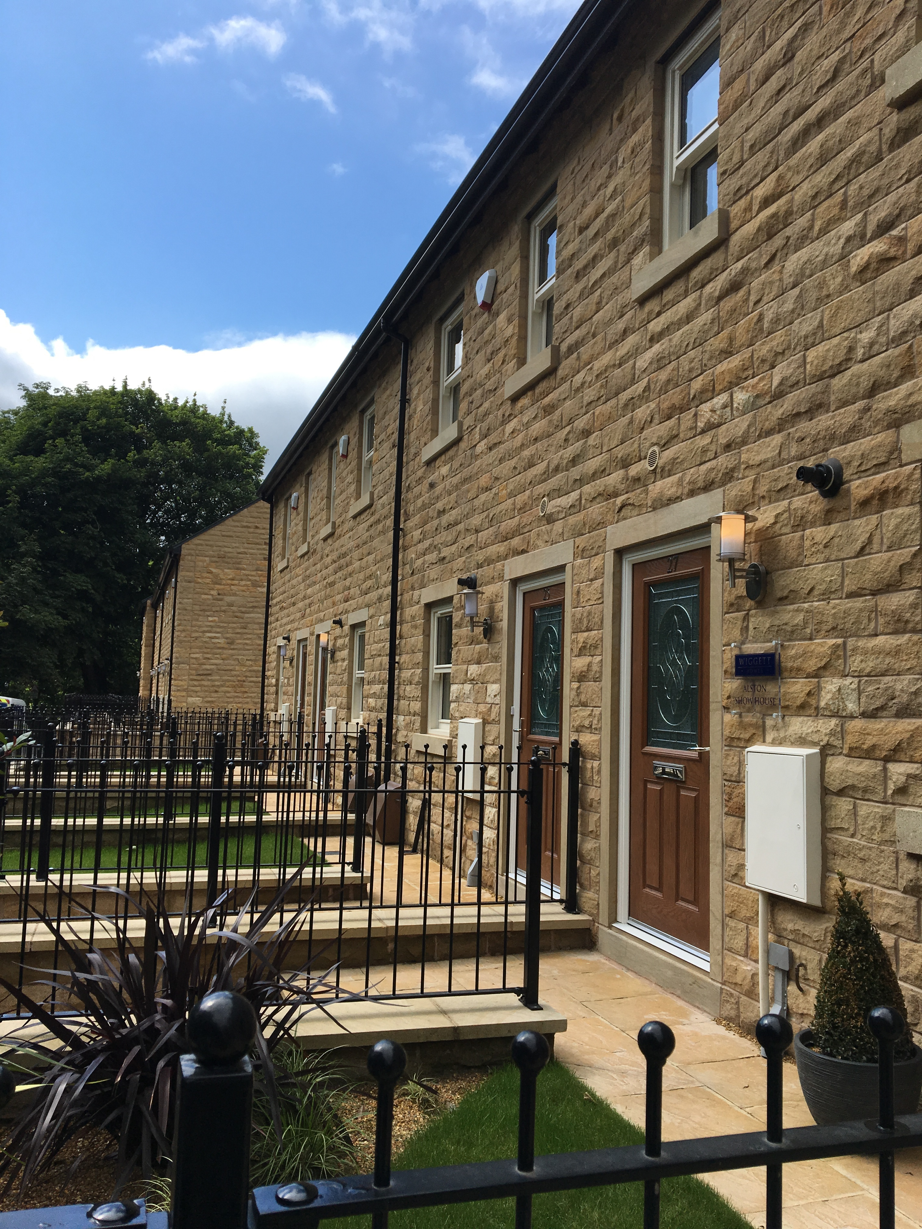 Welcoming our first homeowners to Shepley Gardens, Glossop